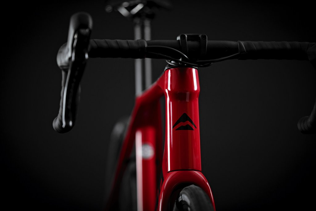 Scultura Endurance 6000 Glossy Race Red / Black