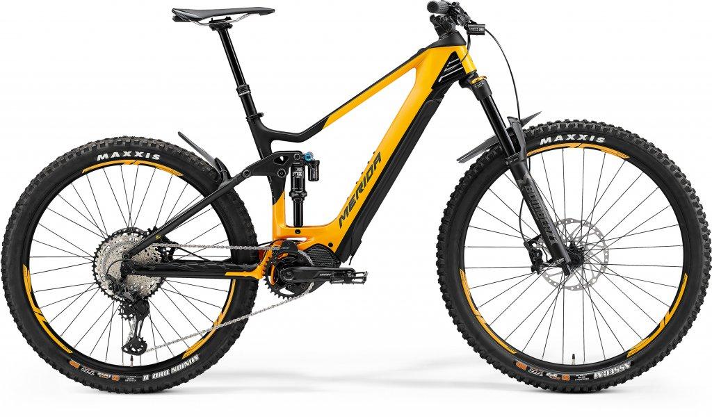 eONE-SIXTY 8000 Glossy Metallic Orange / Matt Black